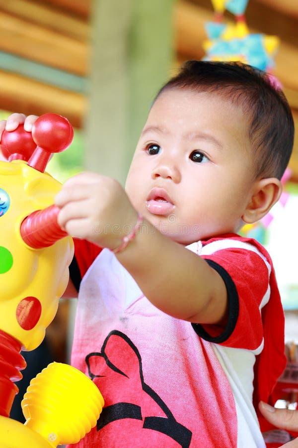 Download Het Meisjesportret Van De Baby Leuk Baby Stock Foto - Afbeelding bestaande uit baby, persoon: 39114762