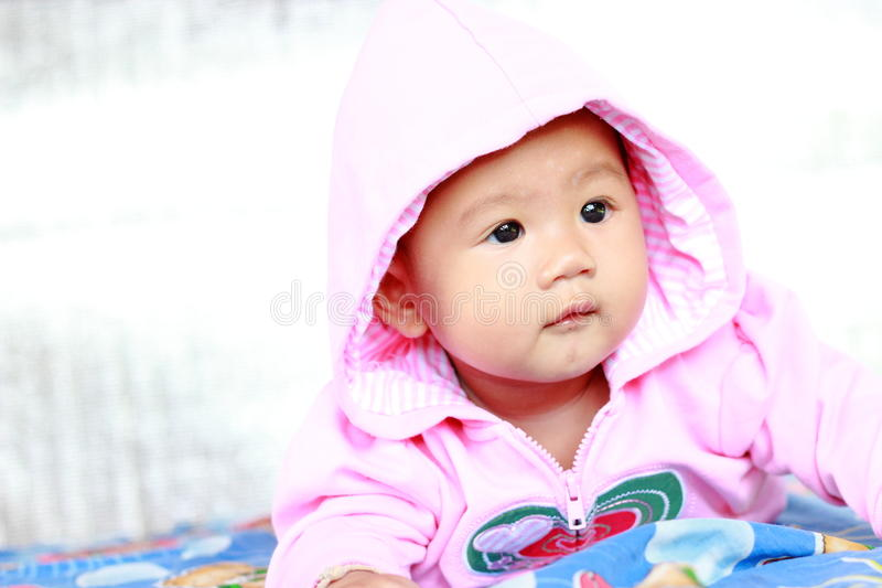 Download Het Meisjesportret Van De Baby Leuk Baby Stock Foto - Afbeelding bestaande uit gezicht, mooi: 39114848
