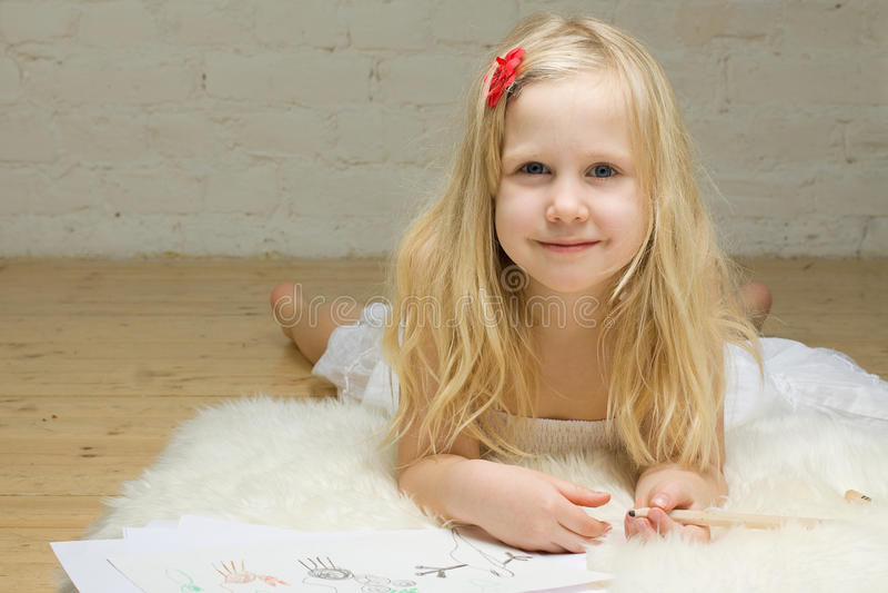 Het meisjestekening van het kind stock fotografie