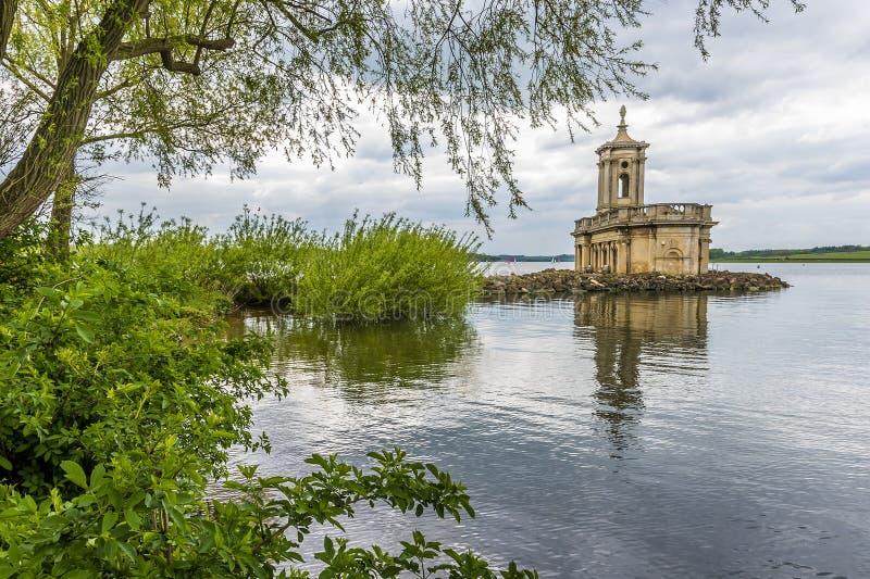 Het meningszuiden onderaan Rutland Water in het UK, van Normanton royalty-vrije stock foto