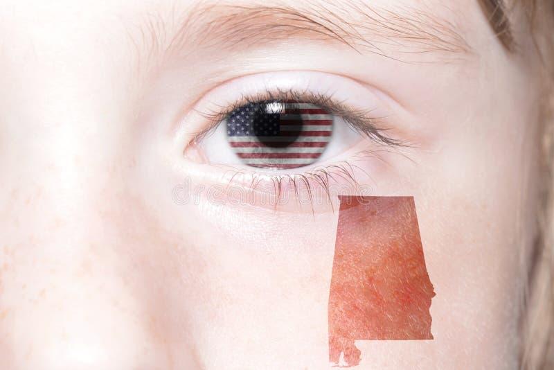 Het menselijke gezicht van ` s met nationale vlag van de Verenigde Staten van Amerika en Alabama verklaren kaart stock afbeeldingen