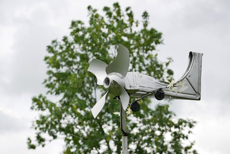 het met de hand gemaakte close-up van de windgenerator, vrije energie royalty-vrije stock afbeeldingen