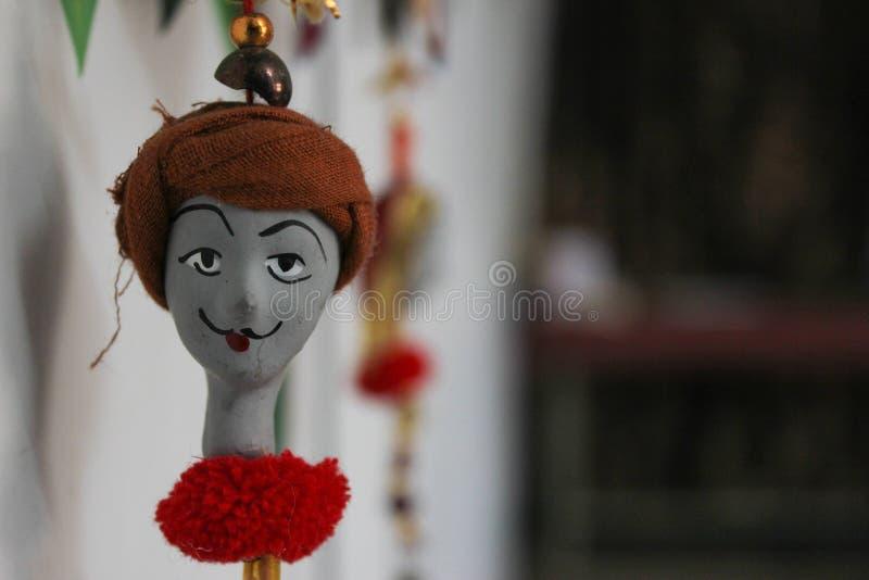 Het met de hand gemaakte pop hangen van een Indisch mannelijk gezicht met tulband Indische Ambachten royalty-vrije stock afbeelding
