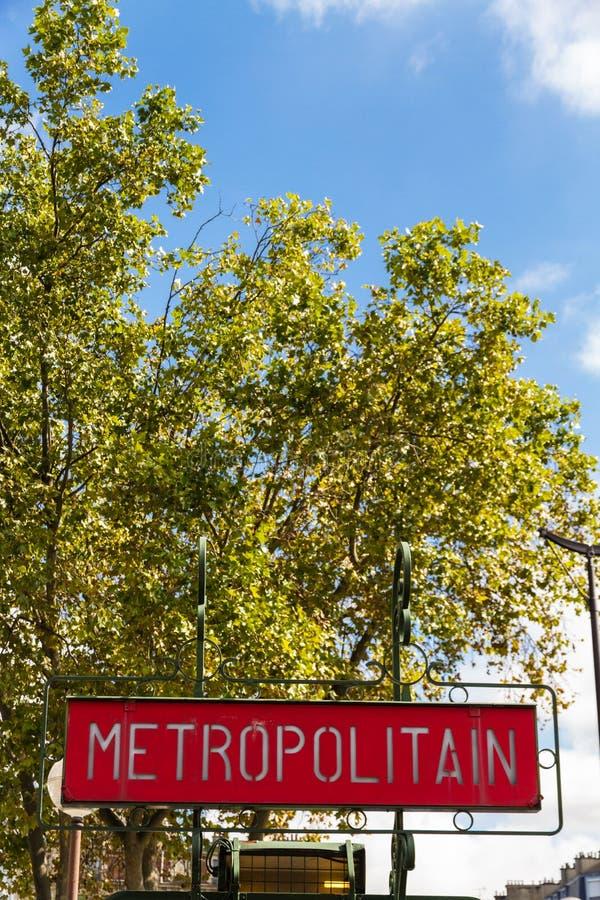 Het metropolitaanse teken van de de Metrometro van Parijs royalty-vrije stock fotografie