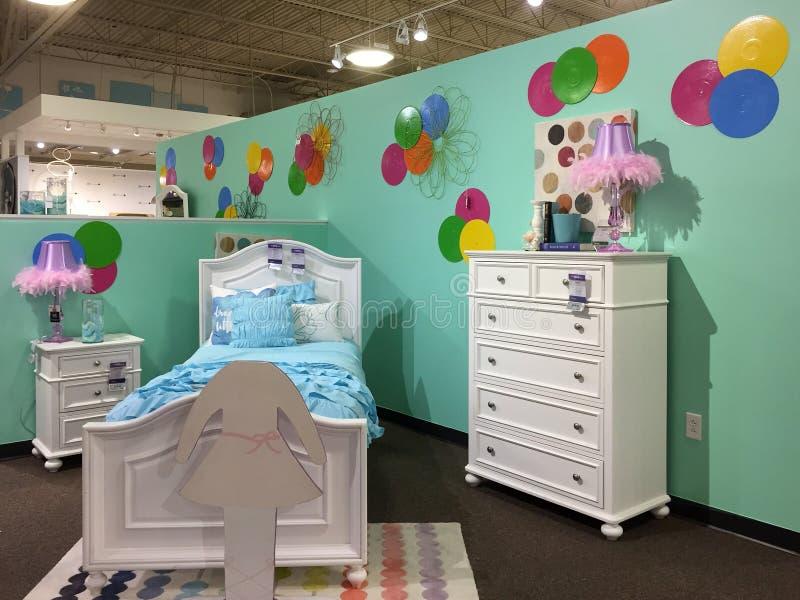 Het meubilair van de het meisjesslaapkamer van Nice voor verkoop bij opslag royalty-vrije stock foto