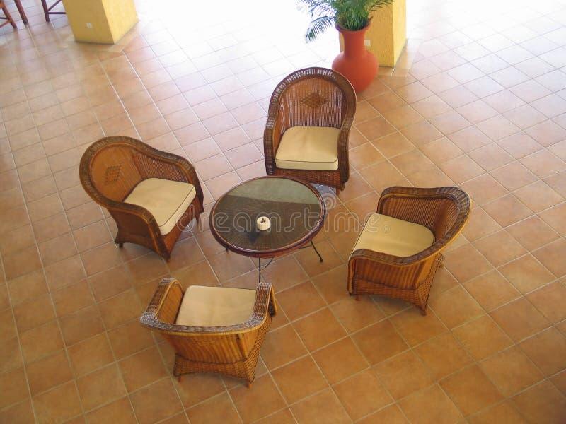 Download Het meubilair van de rotan stock afbeelding. Afbeelding bestaande uit tegels - 33033