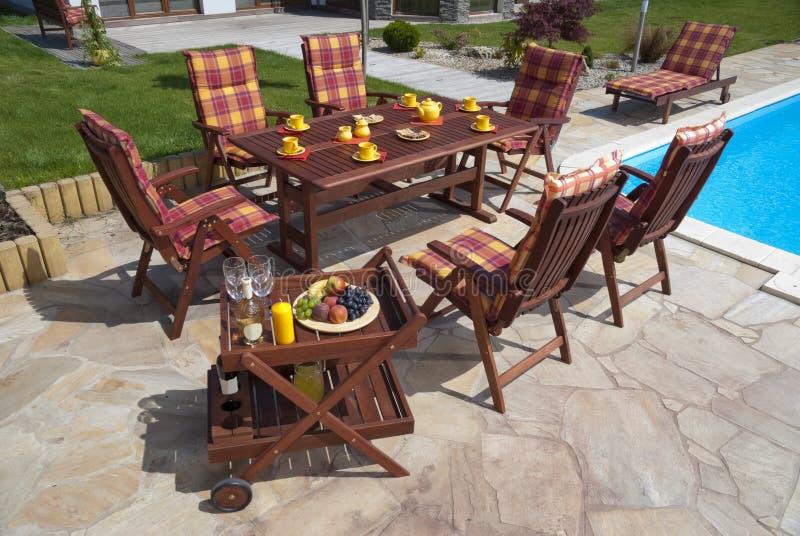 Het meubilair van de tuin royalty-vrije stock afbeelding
