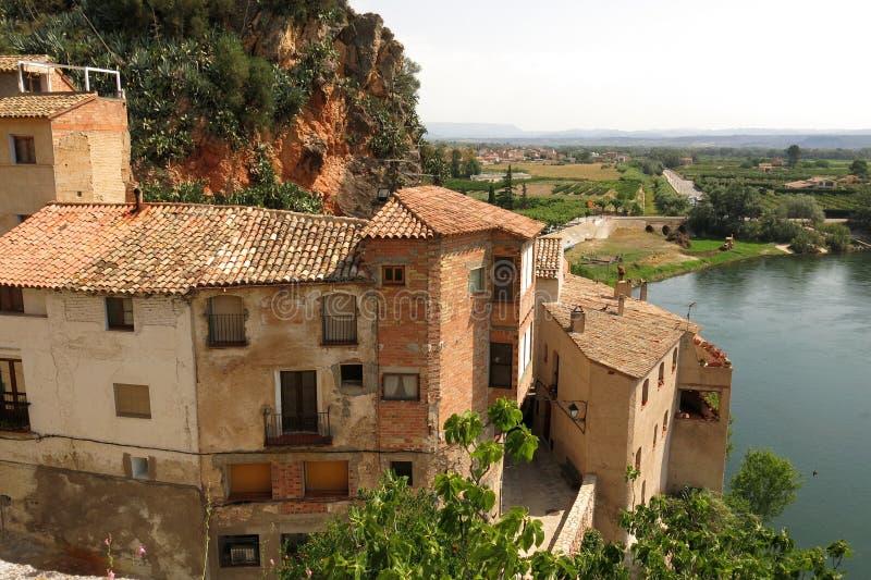 Het middeleeuwse dorp van Catalonië, Spanje van Miravet stock foto's