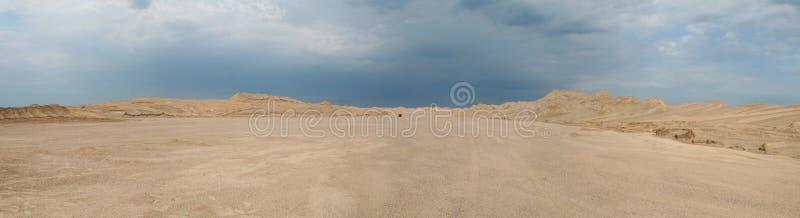 In het midden van de woestijn royalty-vrije stock foto