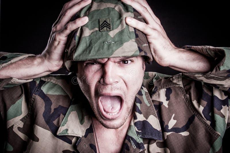 Het militaire Mens Gillen royalty-vrije stock foto