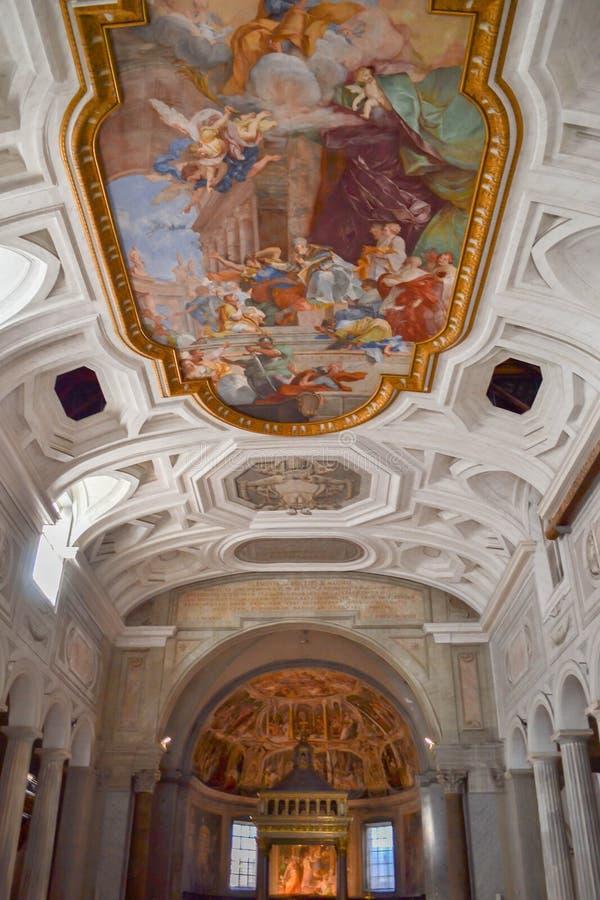 Het Mirakel van de Kettingen 18de eeuw Fresko San Pietro in Vincoli-kerk Mooie oude vensters in Rome (Italië) royalty-vrije stock afbeelding