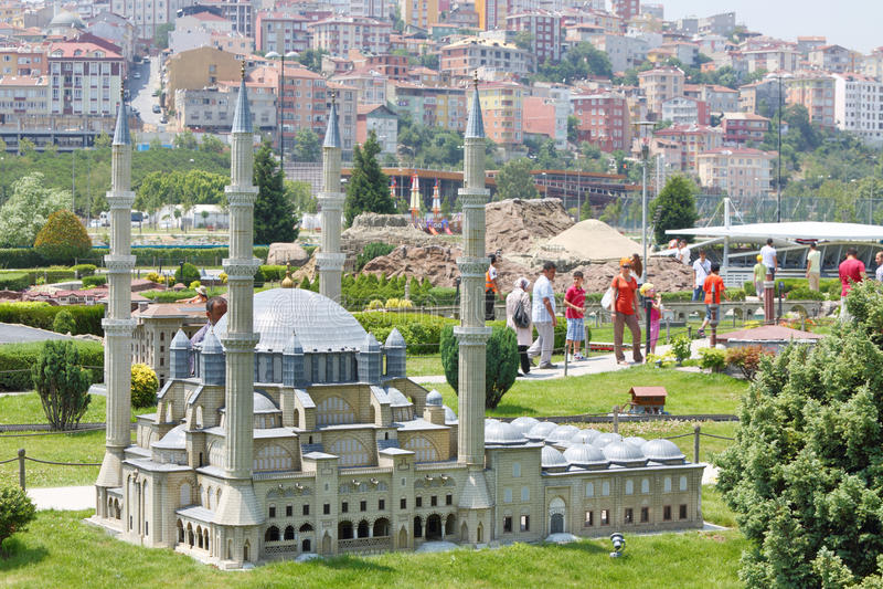 Het model en de toeristen van de Selimiyemoskee royalty-vrije stock fotografie