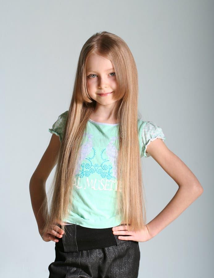 Het model van het meisje stelt royalty-vrije stock afbeelding
