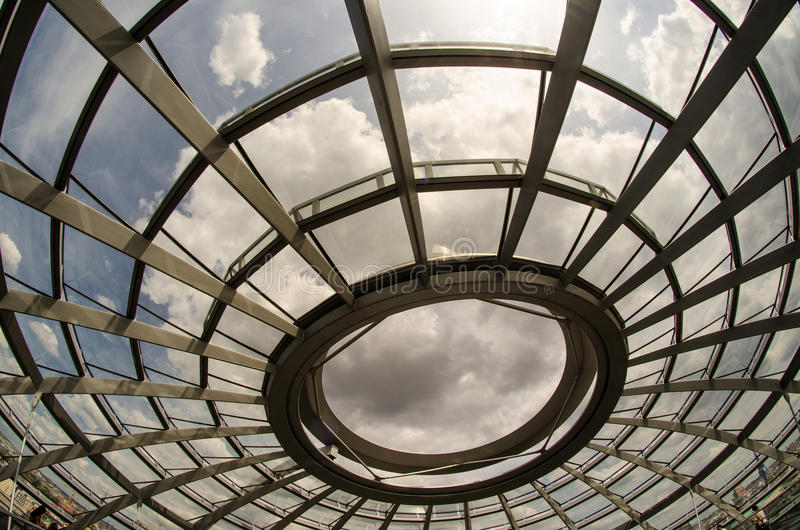 Het moderne Binnenland van de Koepel van Reichstag in Berlijn royalty-vrije stock fotografie