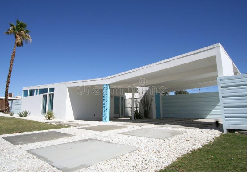 Het Moderne Huis van het midden van de eeuw stock foto's