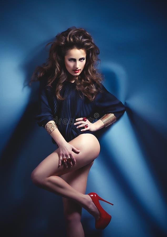 Het moderne meisje van de stijldanser stock foto