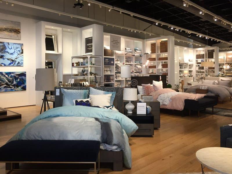 Het moderne slaapkamermeubilair verkopen royalty-vrije stock afbeeldingen
