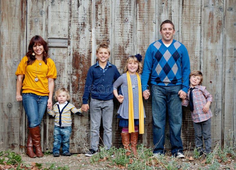 Het modieuze Portret van de Familie stock afbeeldingen
