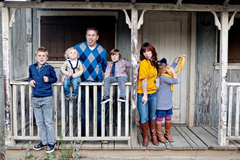 Het modieuze Portret van de Familie stock afbeelding