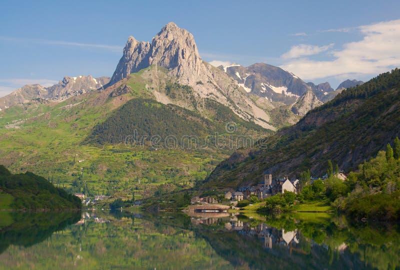 Het moeras van Lanuza, vallei van Tena, de Pyreneeën. royalty-vrije stock afbeelding