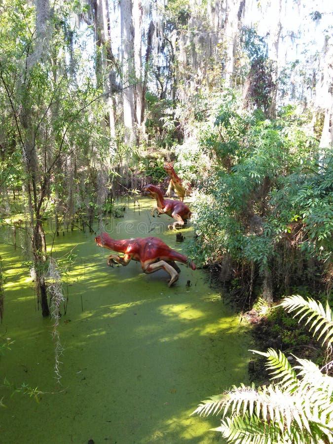 Het moerasbeeld van de dinosauruswereld stock afbeelding