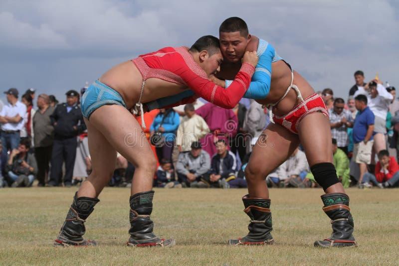 Het Mongoolse worstelen stock afbeelding