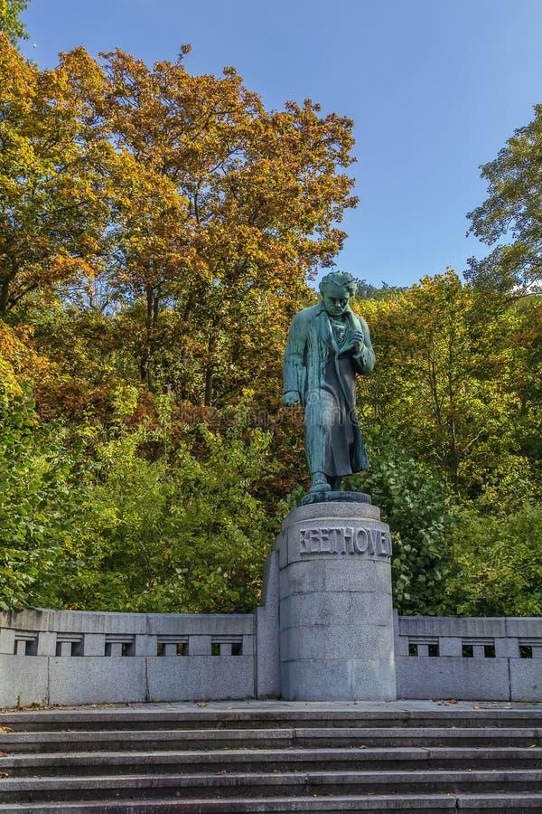 Het monument aan Beethoven, Karlovy varieert stock afbeeldingen