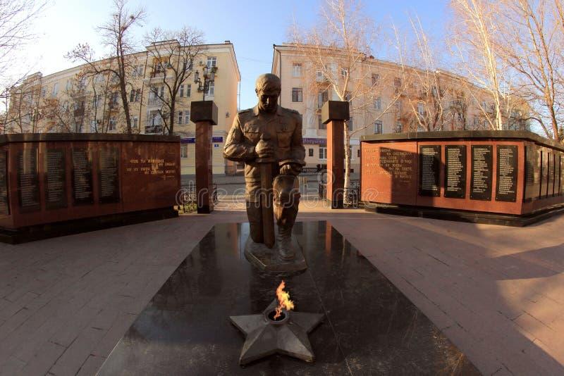 Het monument aan gedode politiemannen in de stad van Makhachkala royalty-vrije stock afbeeldingen