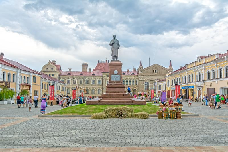 Het monument aan Vladimir Lenin Rusland, Yaroslavl-gebied, Rybinsk stock fotografie
