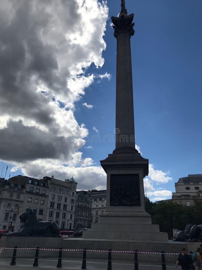Het monument op Trafalgar Square, Londen, het Verenigd Koninkrijk stock fotografie