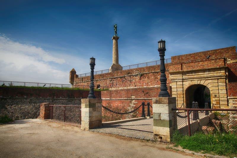 Het monument Pobednik in de Kalemegdan-vesting stock afbeeldingen