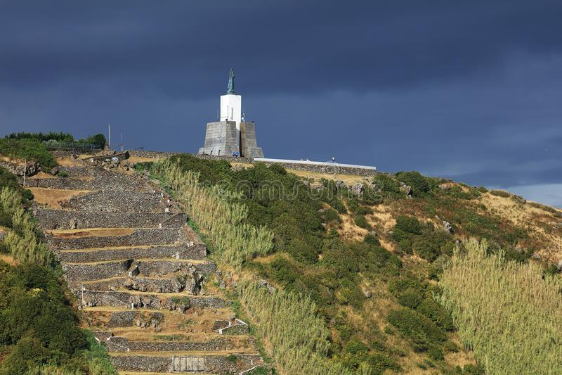 Het Monument van de Gazebotoorts, het beroemde oriëntatiepunt in Vitoria-Strandtoevlucht royalty-vrije stock afbeelding