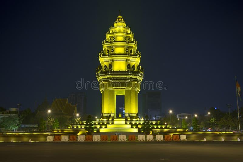 Het monument van de onafhankelijkheid in phnom penh Kambodja royalty-vrije stock foto's