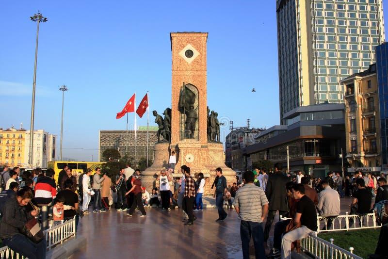 Het Monument van de republiek bij Vierkant Taksim stock afbeelding