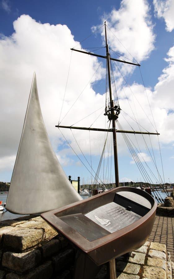 Het monument van het bootgeheugen in Kinsale royalty-vrije stock fotografie
