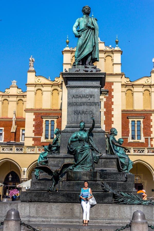 Het monument van Krakau-Polen Adam Mickiewicz royalty-vrije stock foto