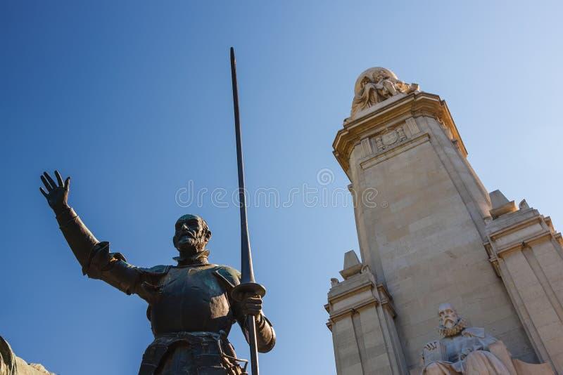Het monument van Miguel de Cervantes in Madrid stock foto