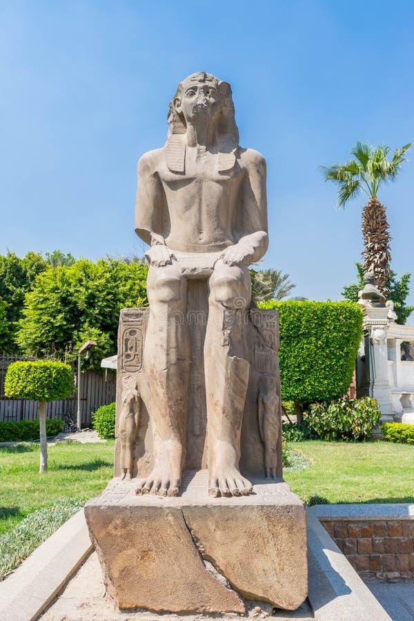 Het Monument van Pharaoh in het park van Egyptisch Museum stock fotografie