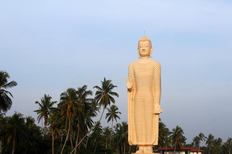 Het monument van Tsunamihonganji Vihara in Hikkaduwa, Sri Lanka royalty-vrije stock foto's