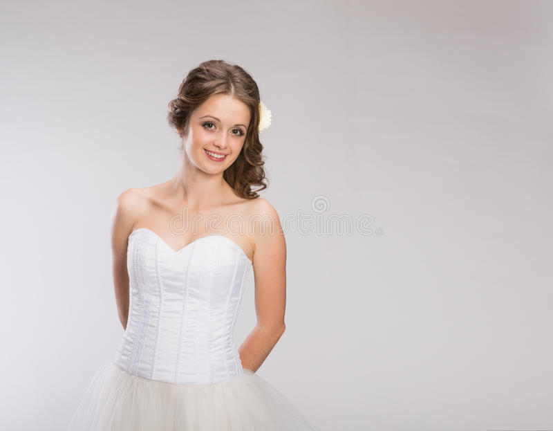 Het mooie Bruid Stellen royalty-vrije stock foto's