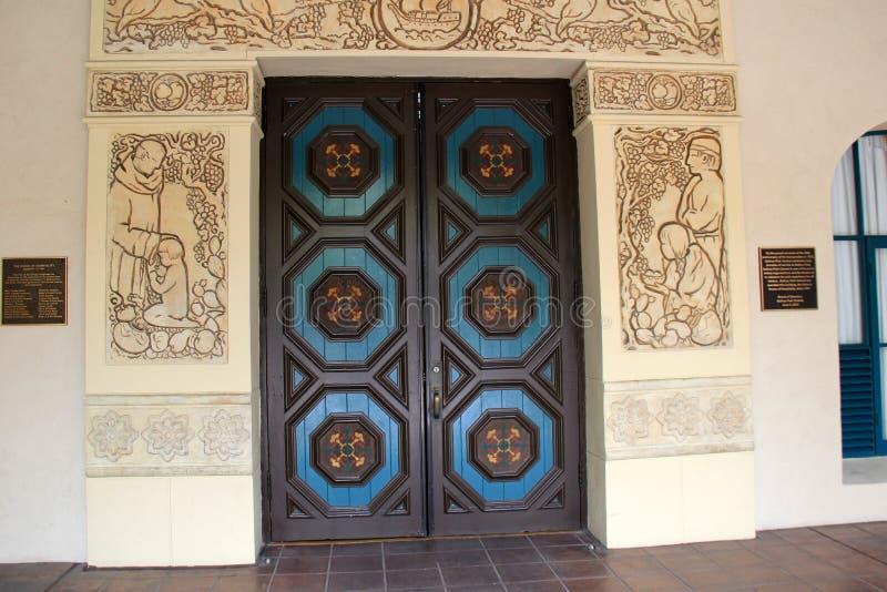 Het mooie detail handcarved binnen deuren, Balboapark, San Diego, Californië, 2016 royalty-vrije stock afbeelding