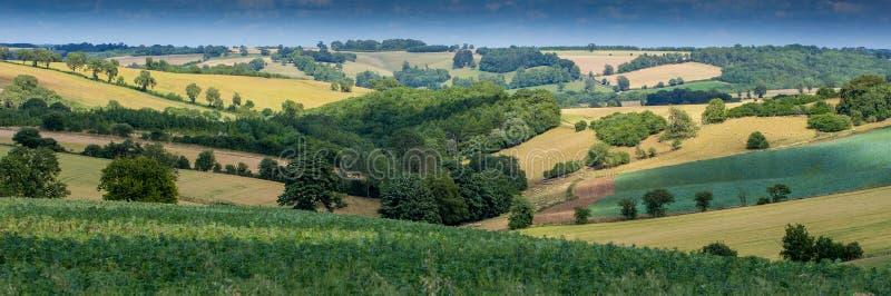 Het Mooie Engelse platteland zoals die in Cotswolds wordt gezien royalty-vrije stock afbeeldingen