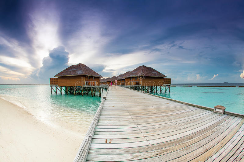 het mooie hotel op het water stock afbeelding