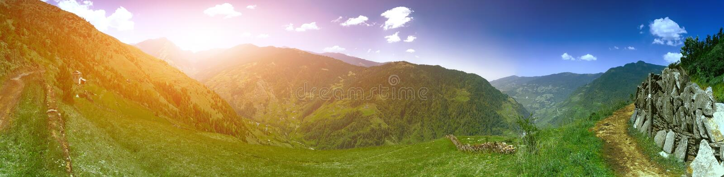 Download Het Mooie Landschap Van De Berg Stock Afbeelding - Afbeelding bestaande uit openlucht, panorama: 54087969