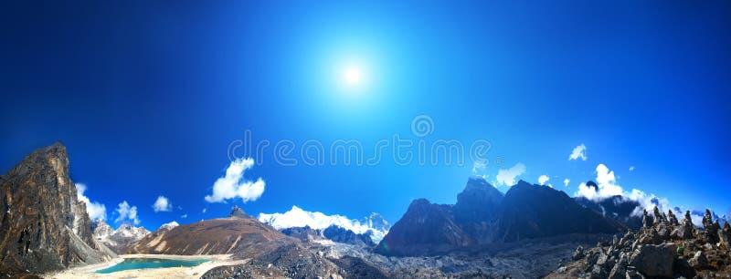 Download Het Mooie Landschap Van De Berg Stock Foto - Afbeelding bestaande uit zonneschijn, alpien: 54088106