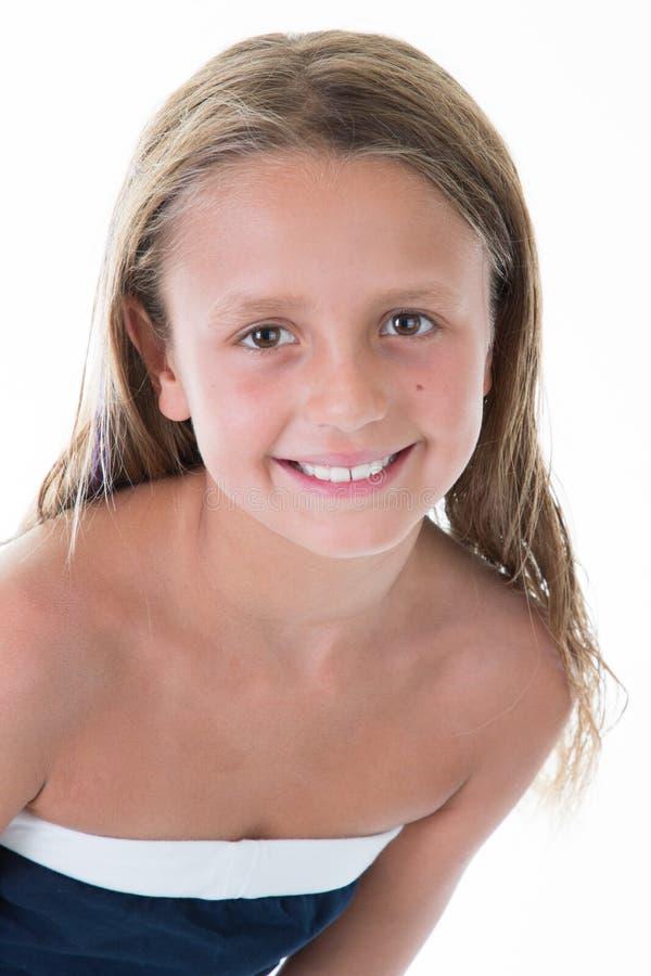 Het mooie meisje gelukkige glimlachen op studio en geïsoleerd op witte achtergrond stock afbeeldingen
