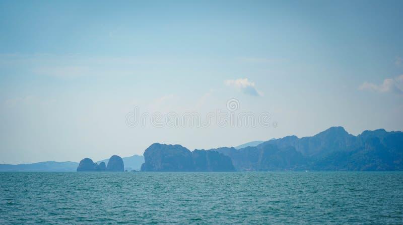 Het mooie oceaanlandschap van de zeegezichthemel van aard royalty-vrije stock fotografie