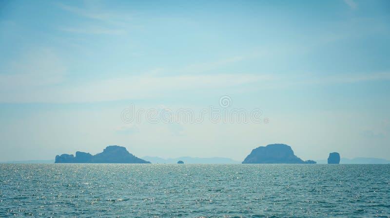 Het mooie oceaanlandschap van de zeegezichthemel van aard royalty-vrije stock foto