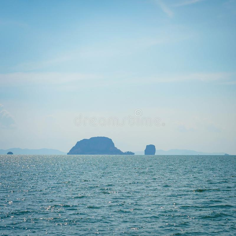 Het mooie oceaanlandschap van de zeegezichthemel van aard stock afbeeldingen
