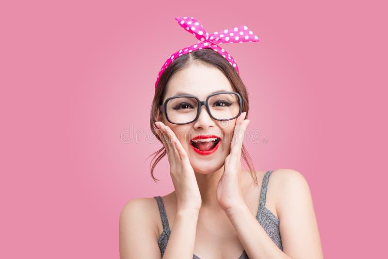 Het mooie portret van de vrouwen pinup stijl Aziatische Vrouw stock afbeelding
